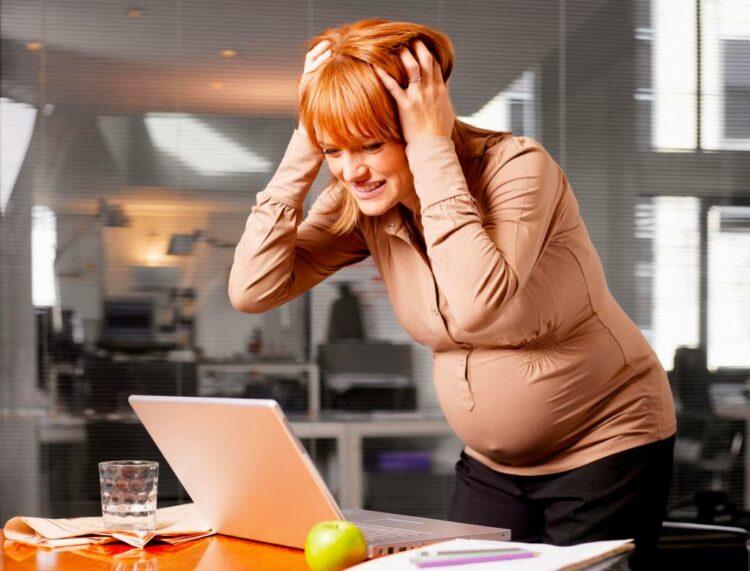 Как справиться с запорами при беременности и после родов