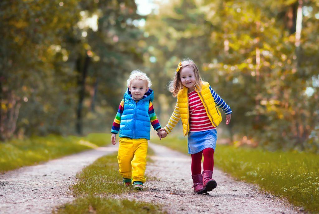 10 летних игр для фантазеров: новые идеи для прогулок с детьми