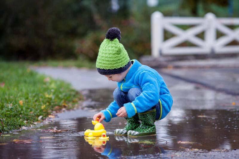 Интересные развивающие игры с ребенком на прогулке