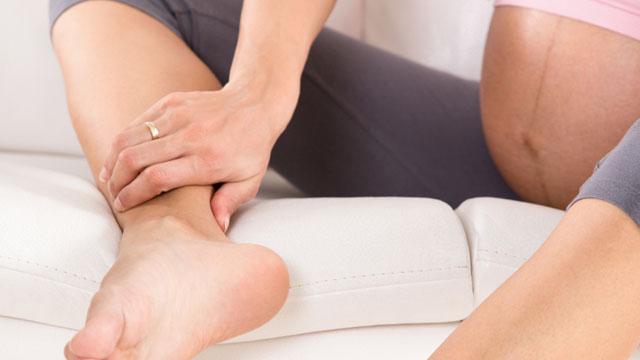 Отек и покраснение ног – что делать?