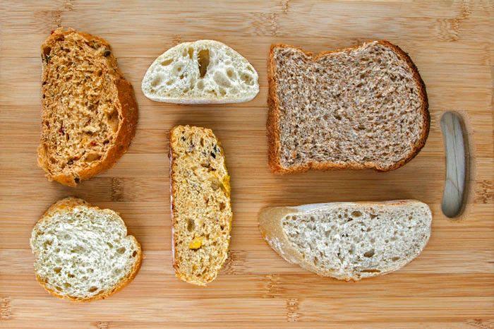 Можно ли черный хлеб при грудном вскармливании и когда его вводить в рацион ребенка?