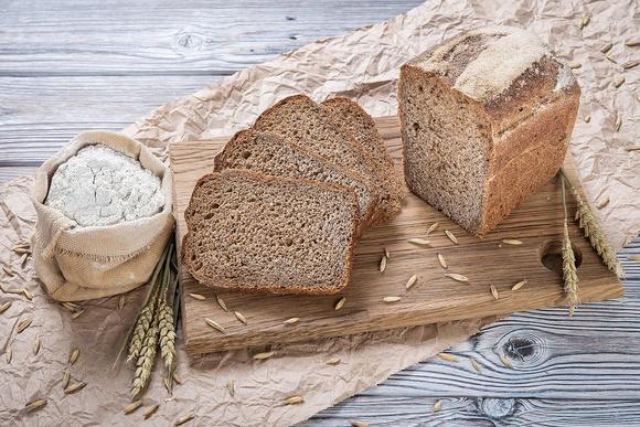 Какой хлеб можно кормящей маме: какая польза от различных видов хлеба и хлебцев? (видео)