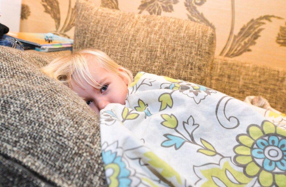 Почему грудничок резко начинает плакать во сне
