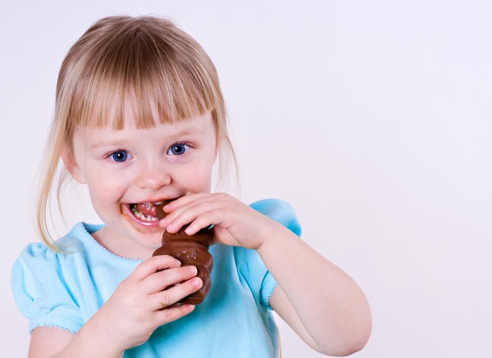 Можно ли давать детям сладкое