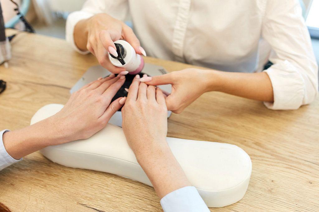 Можно ли делать чистку лица при беременности? какие косметические процедуры запрещены при беременности