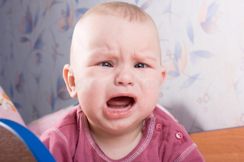Малыш плачет по вечерам: что делать?