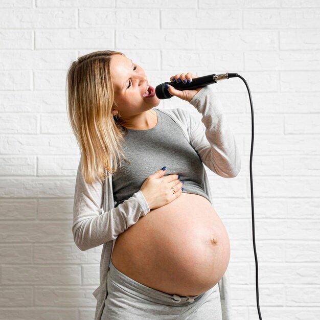 Музыка при беременности: вредна или полезна для мамы и плода - мнение врачей