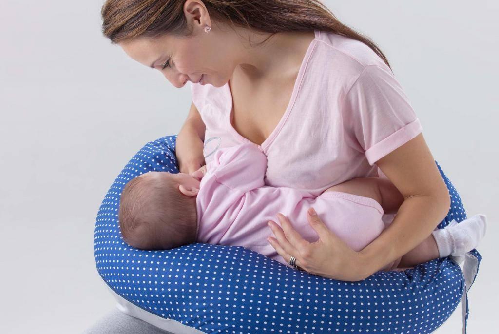 Как правильно прикладывать ребёнка к груди для кормления? 7 главных правил