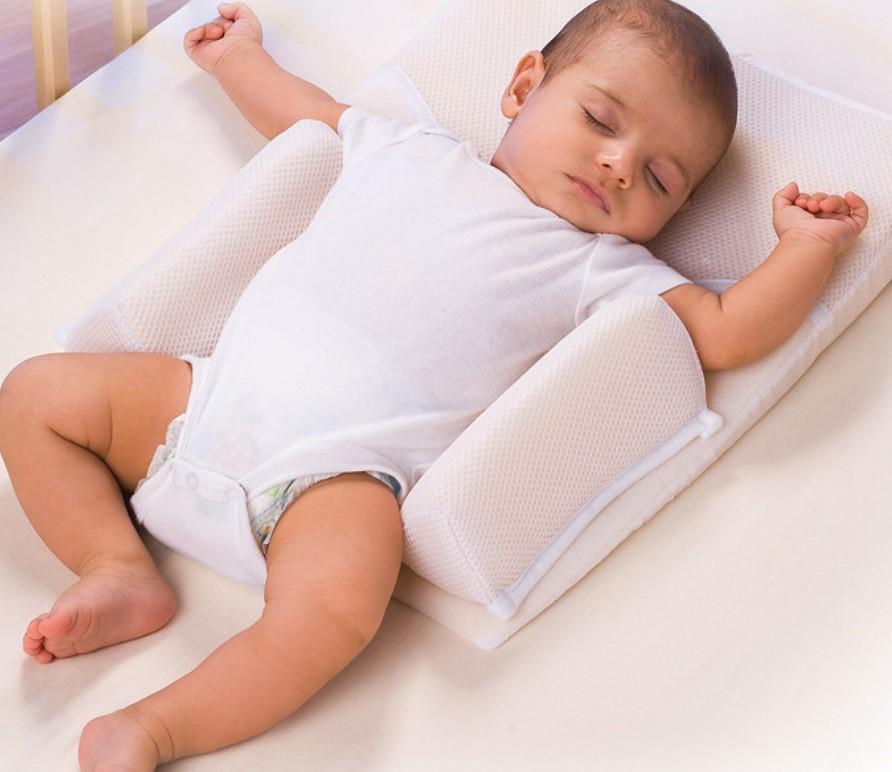 Сын 8 месяцев, переворачивается во сне на живот, встает на четвереньки и начинается веселье в ночи. как отучить? ~ я happy mama
