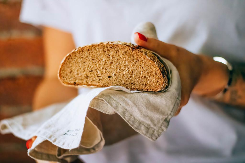 Симптомы заболеваний, диагностика, коррекция и лечение молочных желез — molzheleza.ru. какой хлеб можно при грудном вскармливании: белый, черный, ржаной, с отрубями какой хлеб можно при грудном вскармливании: белый, черный, ржаной, с отрубями