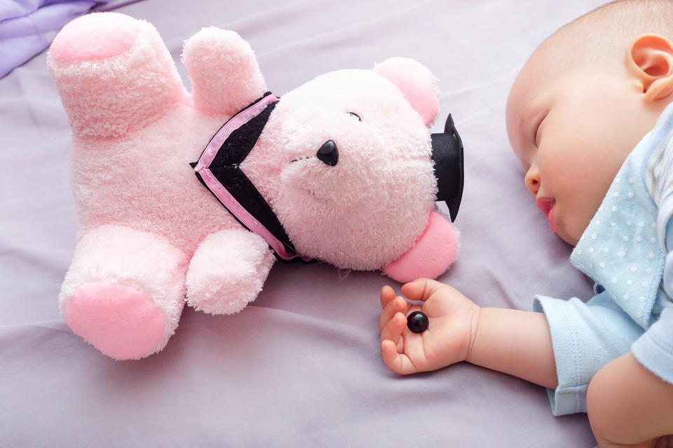 Какие игрушки нельзя покупать детям: самые опасные, некрасивые и немодные детские игры