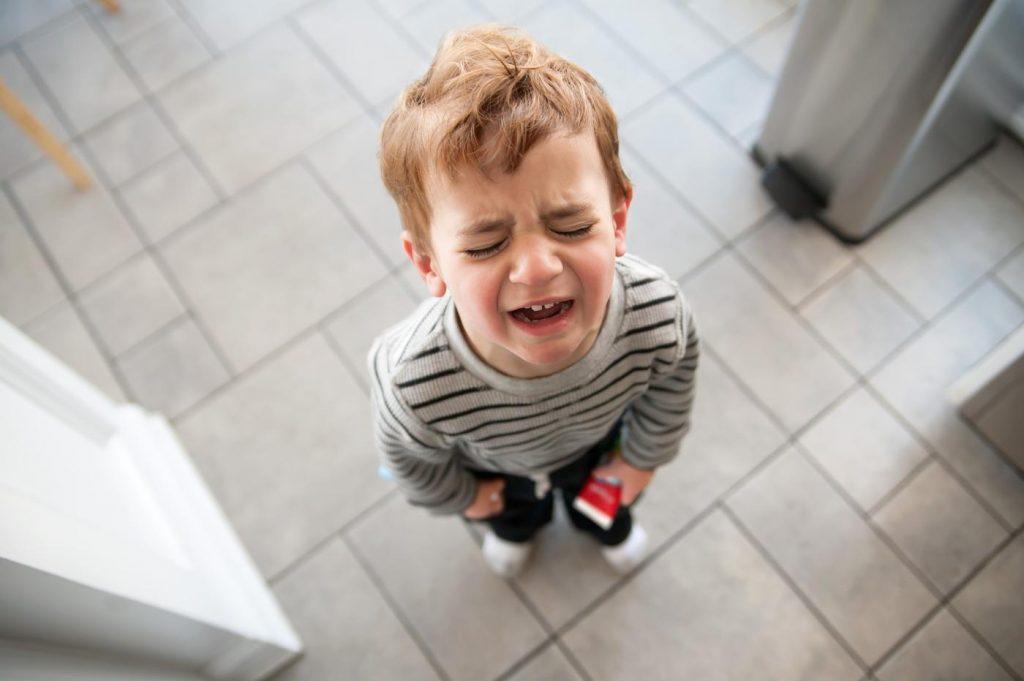 Ребенок по-прежнему плачет в детском саду: что делать? адаптация к детскому саду
