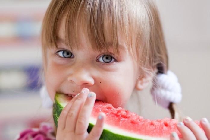 С какого возраста можно давать ребенку арбуз и дыню