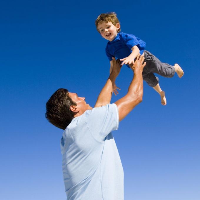 Легко ли быть отцом или папа может всё что угодно