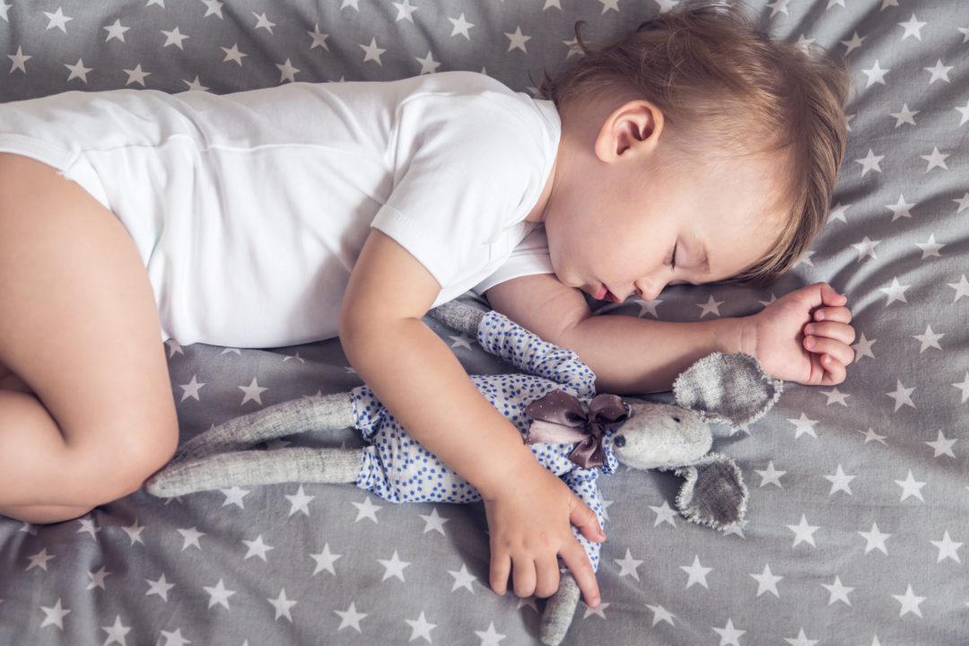 Можно ли уложить ребёнка спать за 1 минуту? ответ в статье