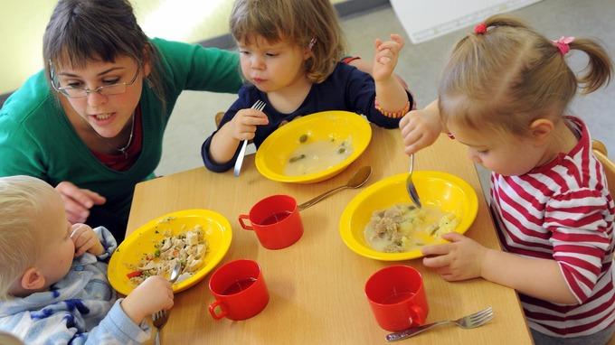 Почему ребенок ничего не ест: причины плохого аппетита у детей