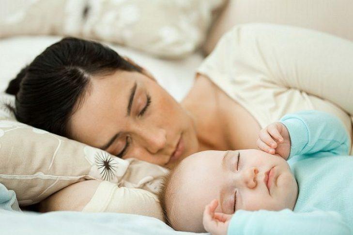 Совместный сон с ребёнком: за и против