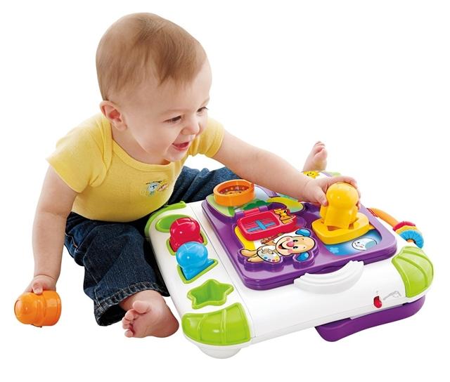 Что подарить ребёнку на 1 год: игрушки, практичные подарки и символические презенты