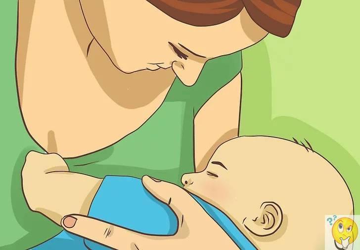 Нужно ли будить новорожденного для кормления ночью и днем?