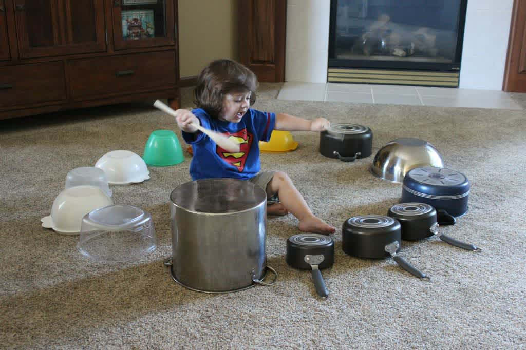 Чем занять ребенка дома: простые идеи