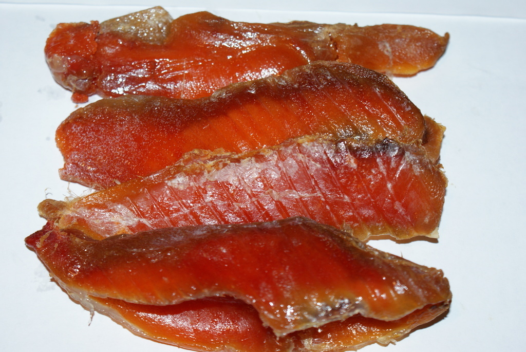 Любительницам соленой рыбы — можно ли есть её при грудном вскармливании? нюансы введения в мамино и детское питание