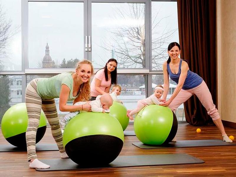 Фитбол для грудничков: как выбрать, упражнения, польза занятий гимнастикой