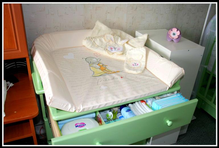 Выбираем пеленальный столик для новорожденного: современный и функциональный