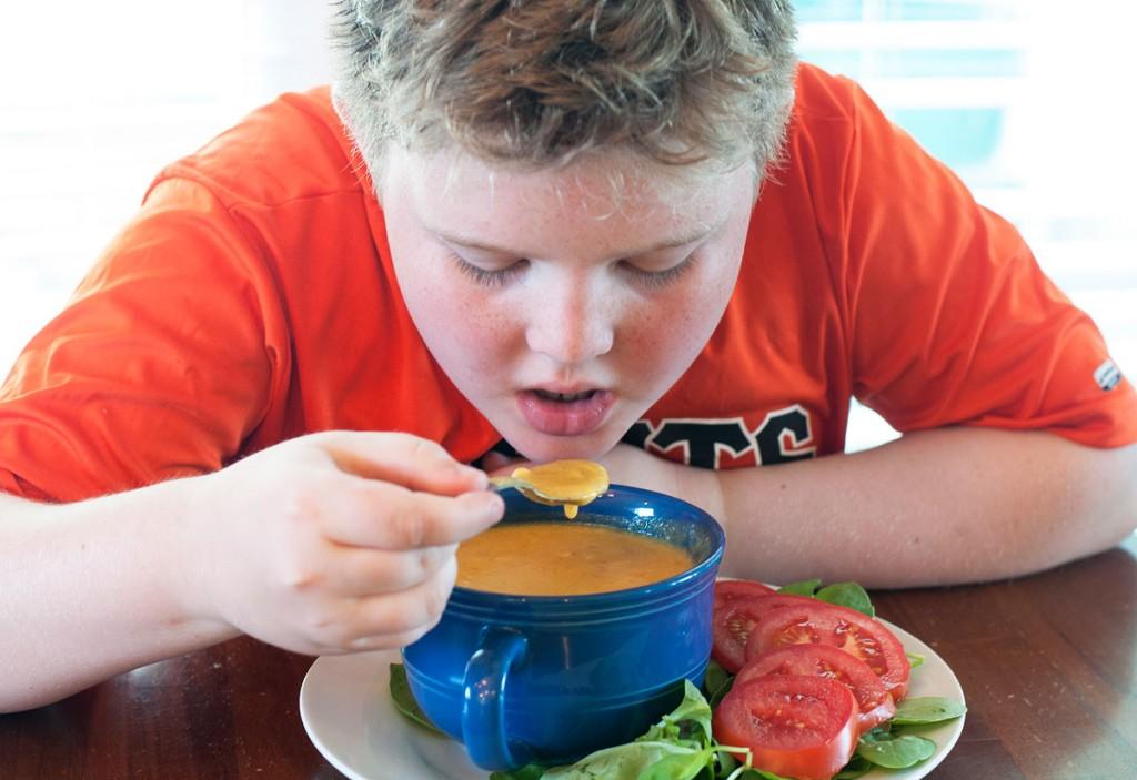 Отравление у ребенка: причины, симптомы, лечение